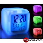 Renk Değiştiren Küp Saat
